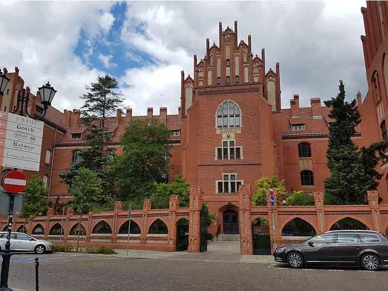 Universidad de Nicolás Copérnico