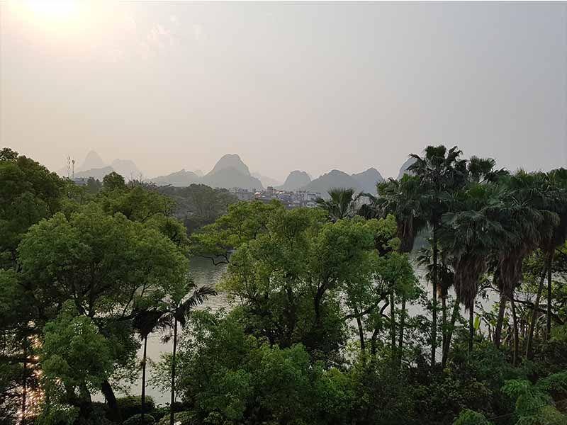 Vistas desde la terraza del hostal de Guilin