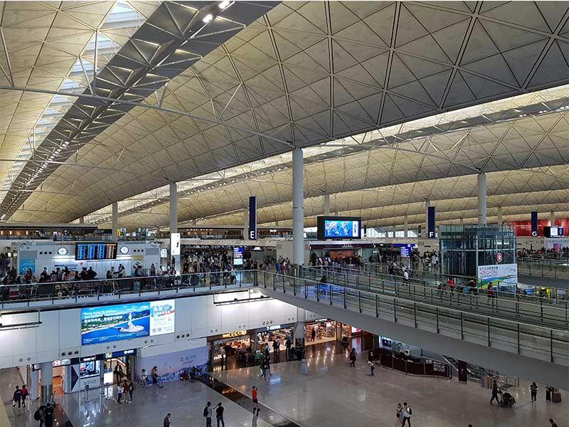 Cambiar moneda en Hong Kong en el aeropuerto