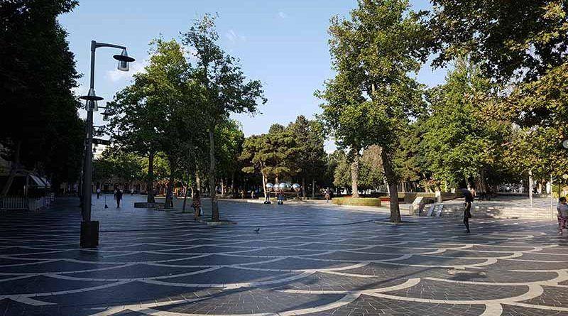 Tiendas donde cambiar moneda en Bakú en el centro