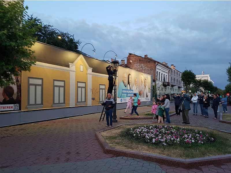 Encendido de lámparas en la calle Sovetskaya, un espectáculo que ver en Brest