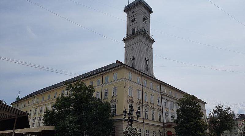 Plaza del Mercado y Ayuntamiento de Lviv