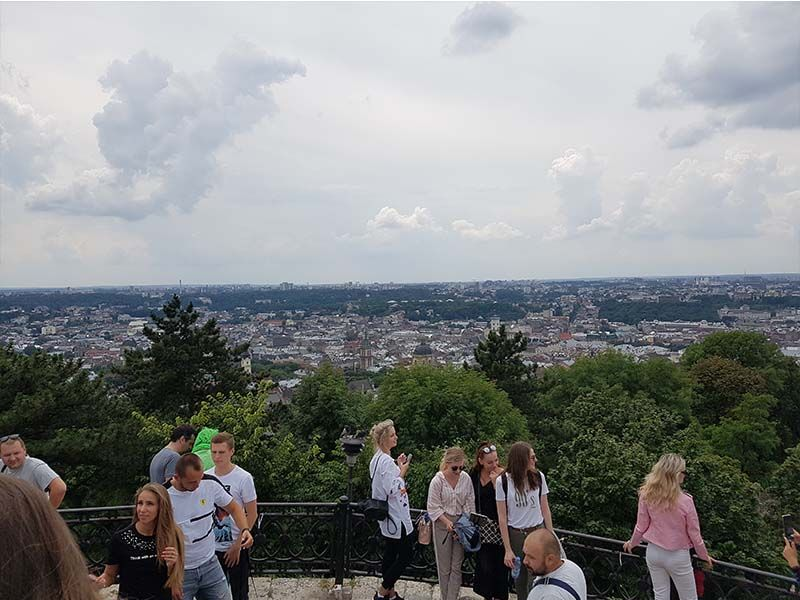 Vistas de Lviv desde el castillo Alto