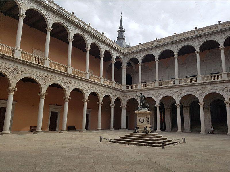 El Alcázar, un imprescindible que ver en Toledo en un día