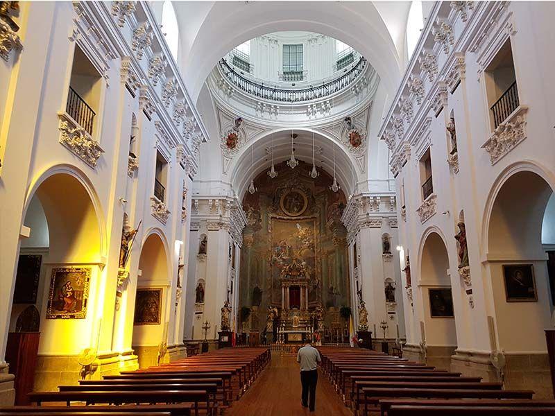 Interior de la iglesia de los Jesuitas