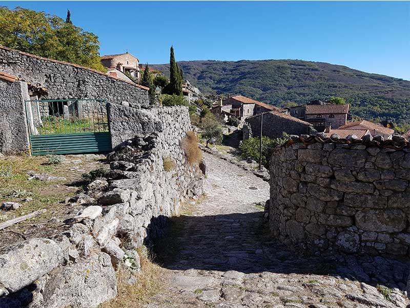 Trevejo, uno de los lugares que ver en Extremadura en otoño