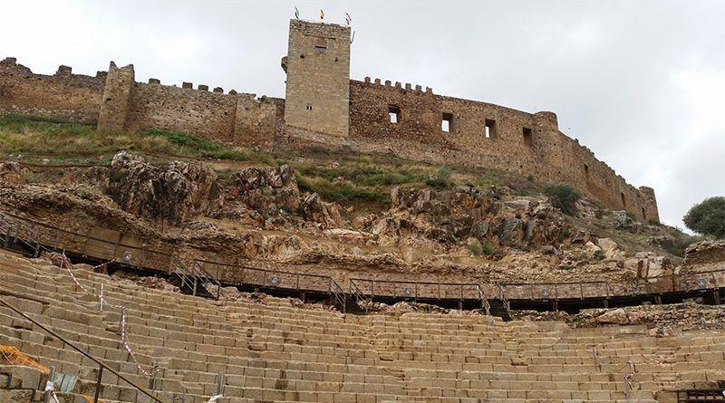 Castillo y teatro romano de Medellín