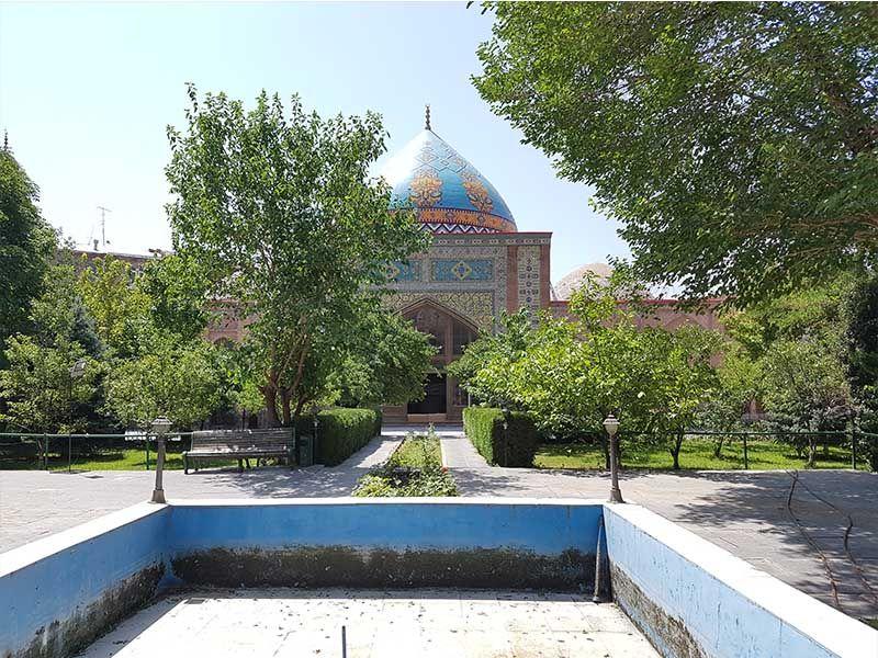 La mezquita Azul es un lugar que ver en Ereván en un día
