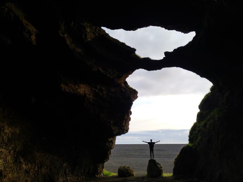 cueva del yoda islandia
