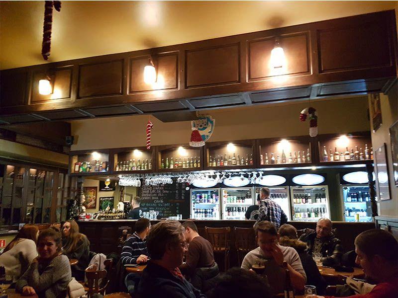 Beer O'Clock, un sitio donde beber cerveza en Bucarest