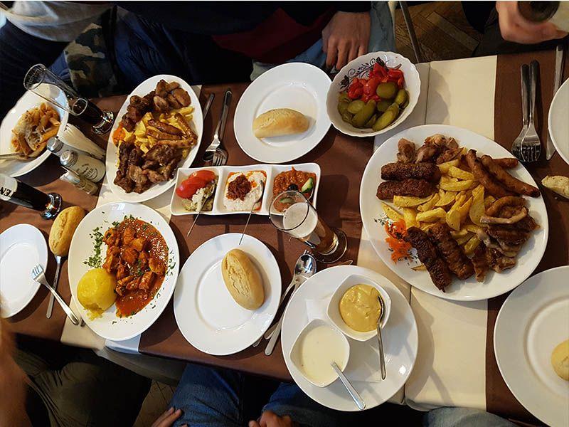 Bucatarasul cel Dibaci, lugar donde comer en Bucarest
