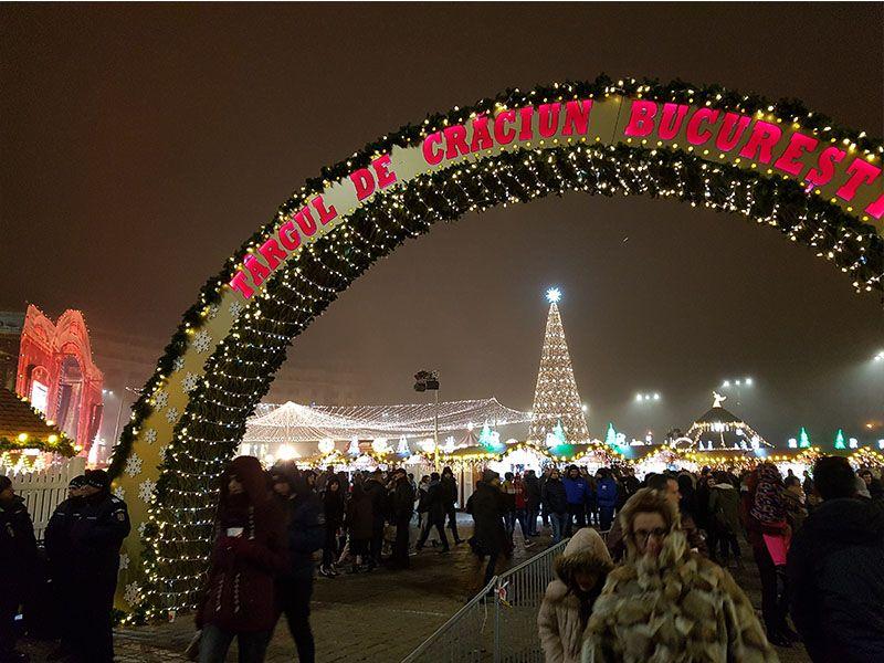 Mercado navideño de Bucarest en la plaza de la Constitución