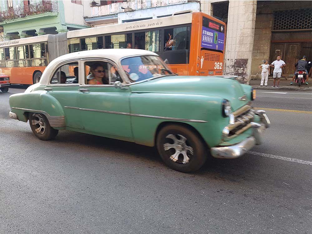 Almendrón para moverse por La Habana
