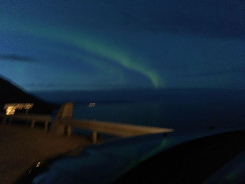 auroras boreales sur islandia