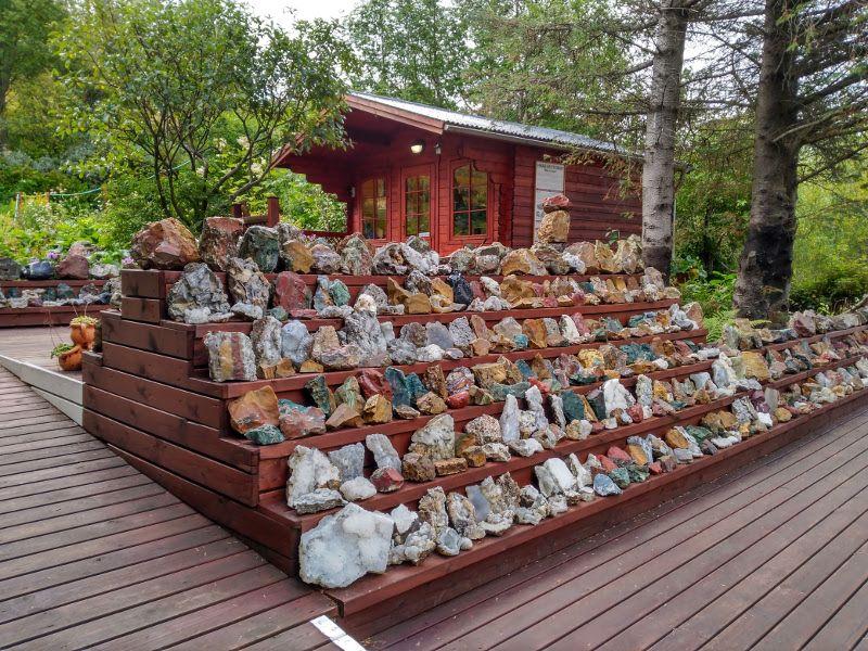 petra's stone collection islandia