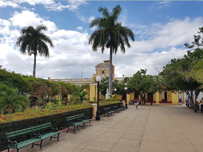 Plaza Carillo, uno de los lugares más bonitos que ver en Trinidad