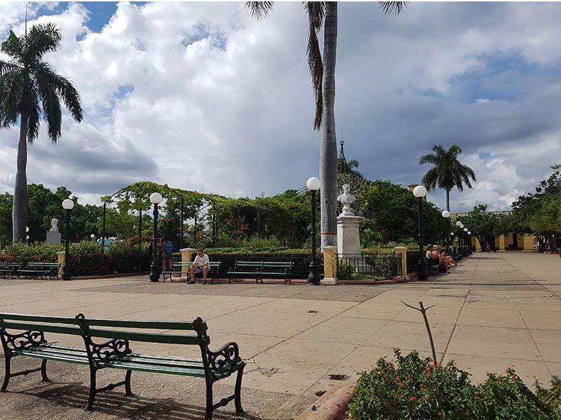 Plaza con Internet en Cuba