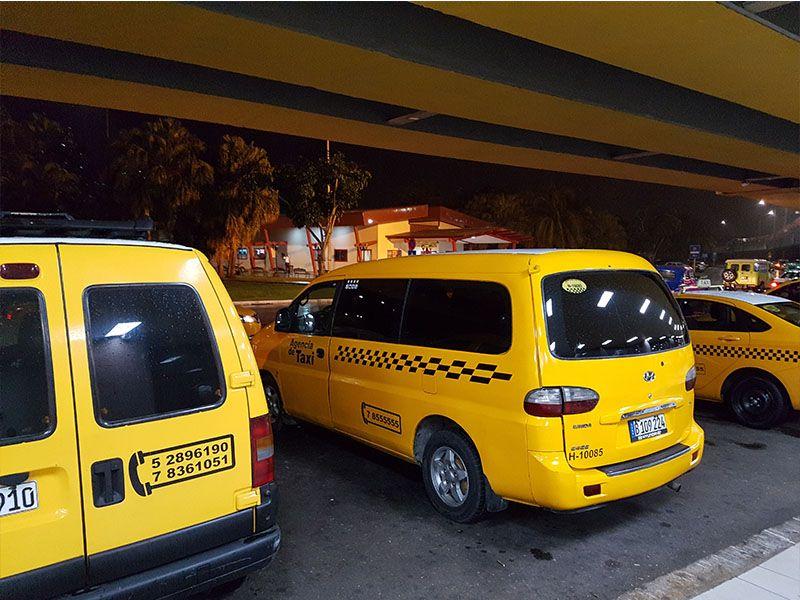 Taxi del aeropuerto de La Habana a la ciudad