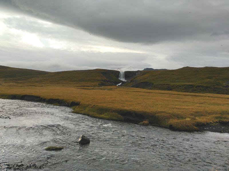 cascada Svodufoss en islandia