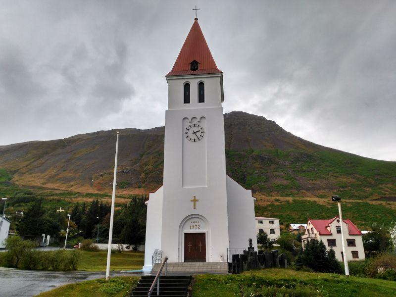 iglesia de Siglufjordur