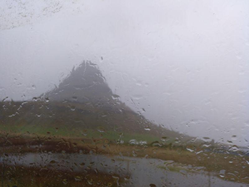 montaña Kirkjufell islandia