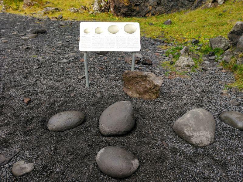 levantamiento de rocas en Djupalonssandur