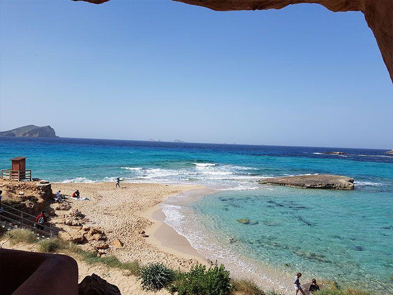 Cala Comte, una de las más bonitas de la isla de Ibiza