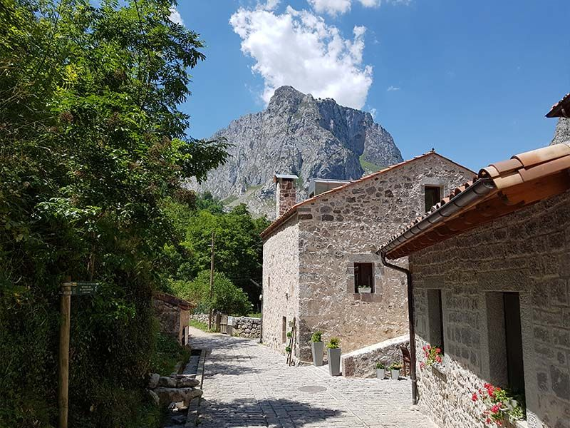 Bulnes, un pueblo que ver en Asturias en una semana