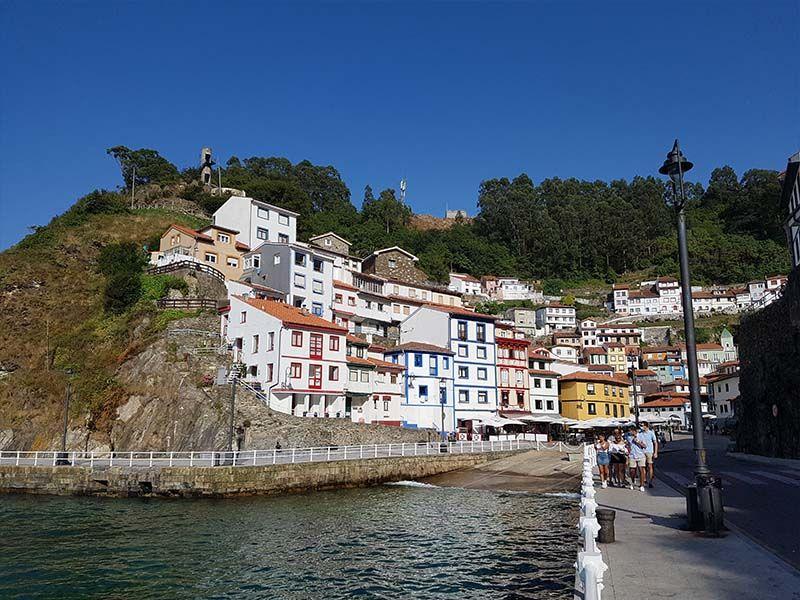 Cudillero, uno de los pueblos que ver en una ruta por Asturias