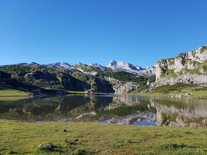 Lago Ercina en verano