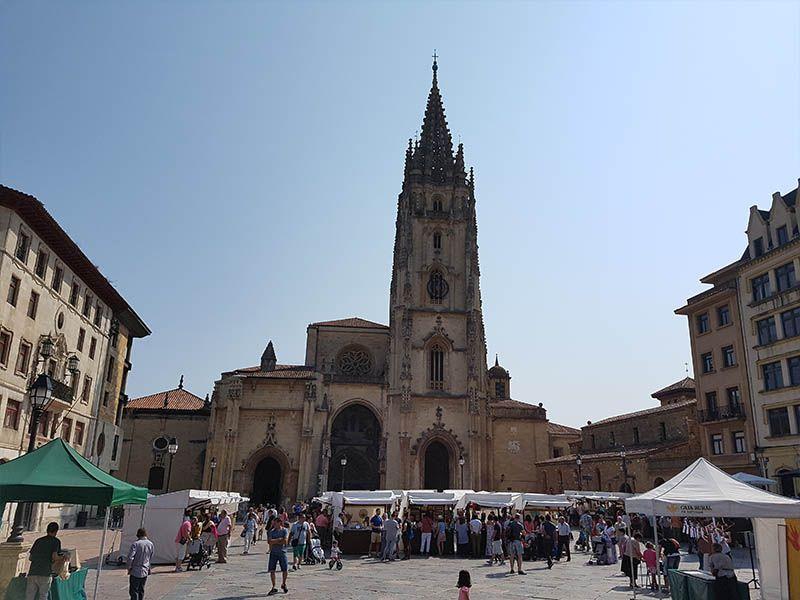 Plaza de la catedral de Oviedo