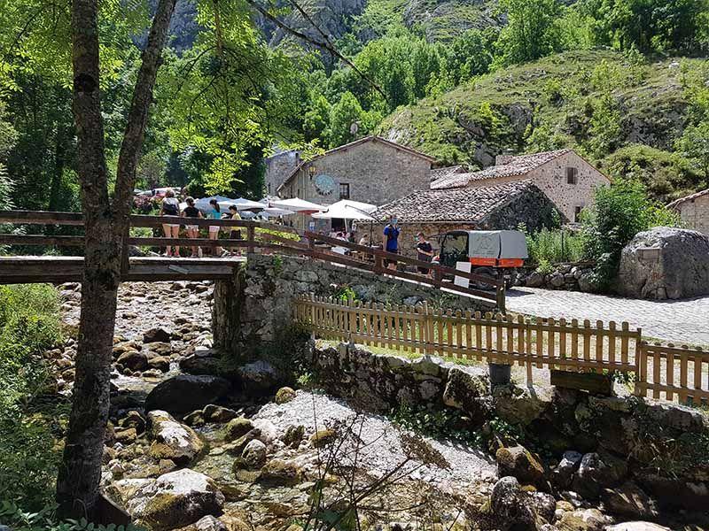 Puente de Bulnes, en Asturias