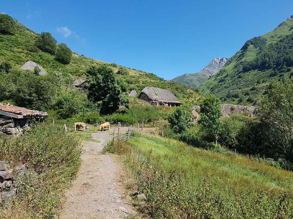 Cabañas de teito, en Asturias