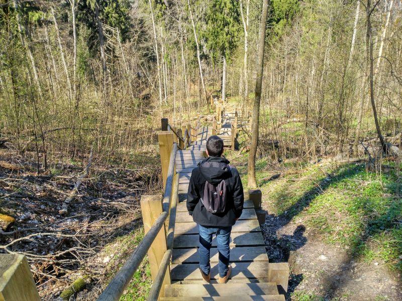 sendero bajada río Gauja desde Sigulda