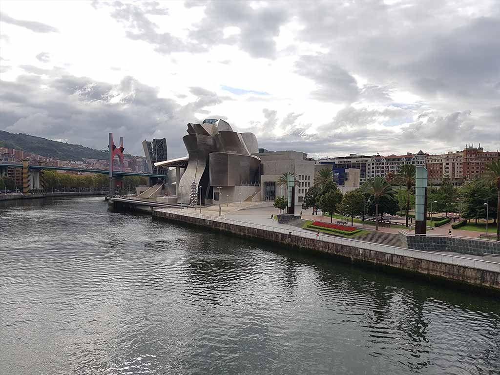 Bilbao, con el museo Guggenheim
