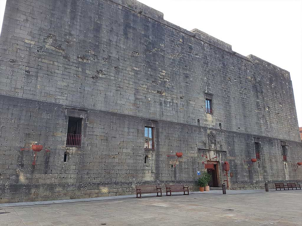 Castillo de Carlos V, en el País Vasco