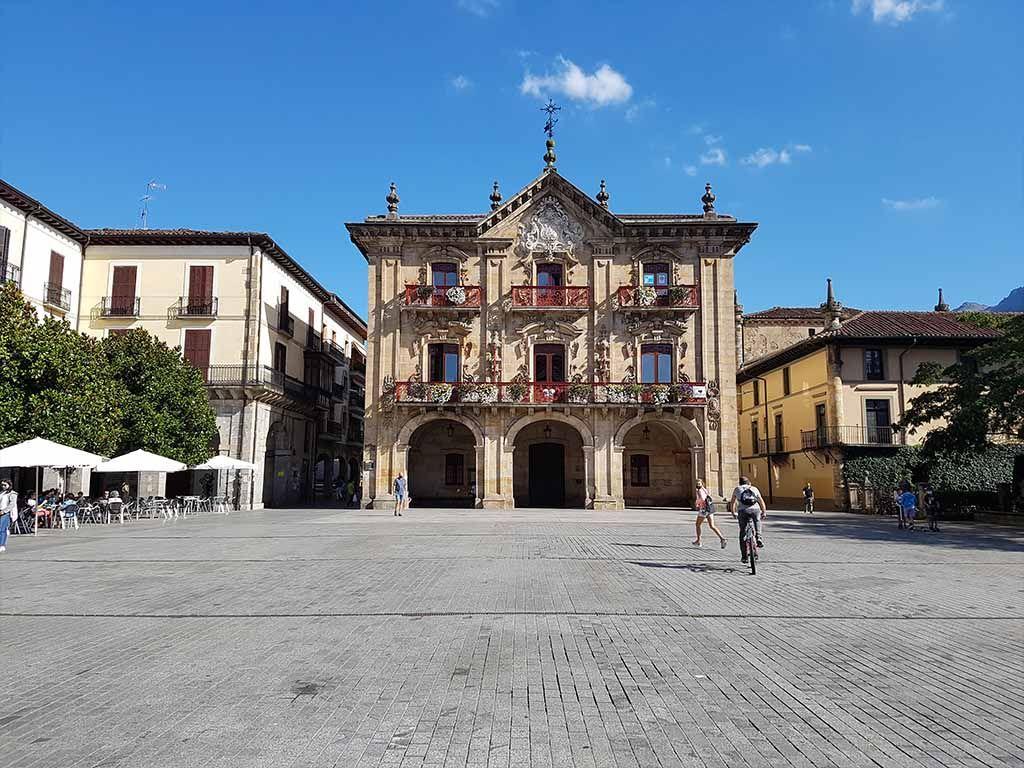Plaza de los Fueros, un lugar que ver en Oñate