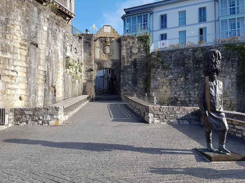 Puerta de Santa María, en Hondarribia