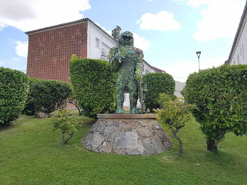 Estatua Hombre Musgo