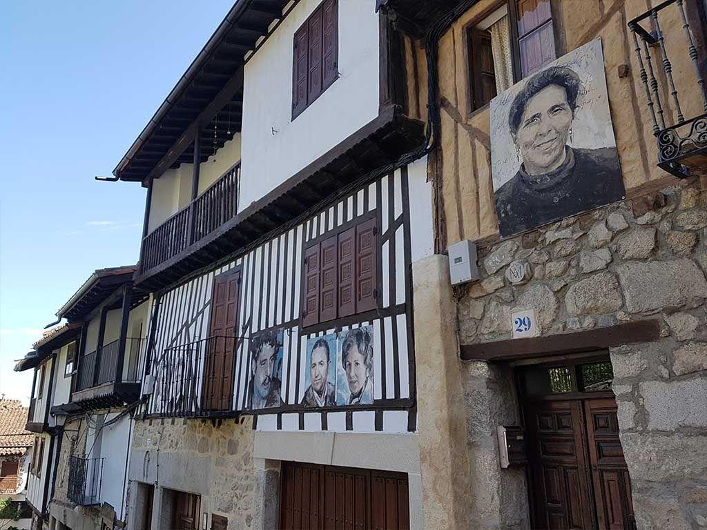 Fotos en las casas de Mogarraz