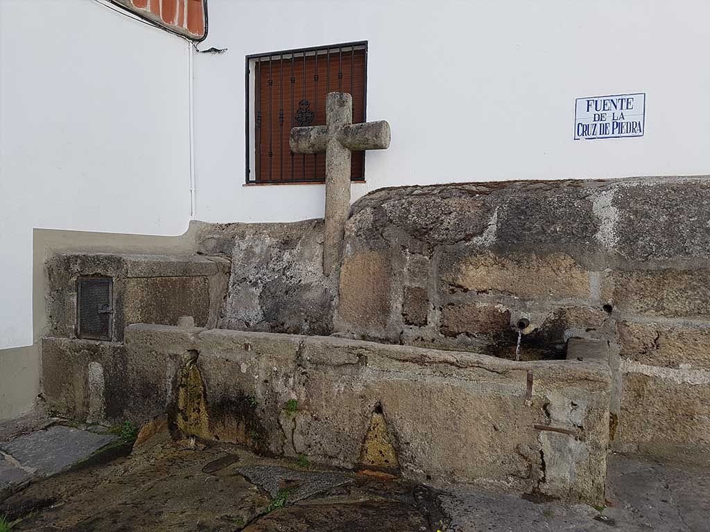 Fuente de la Cruz de Piedra