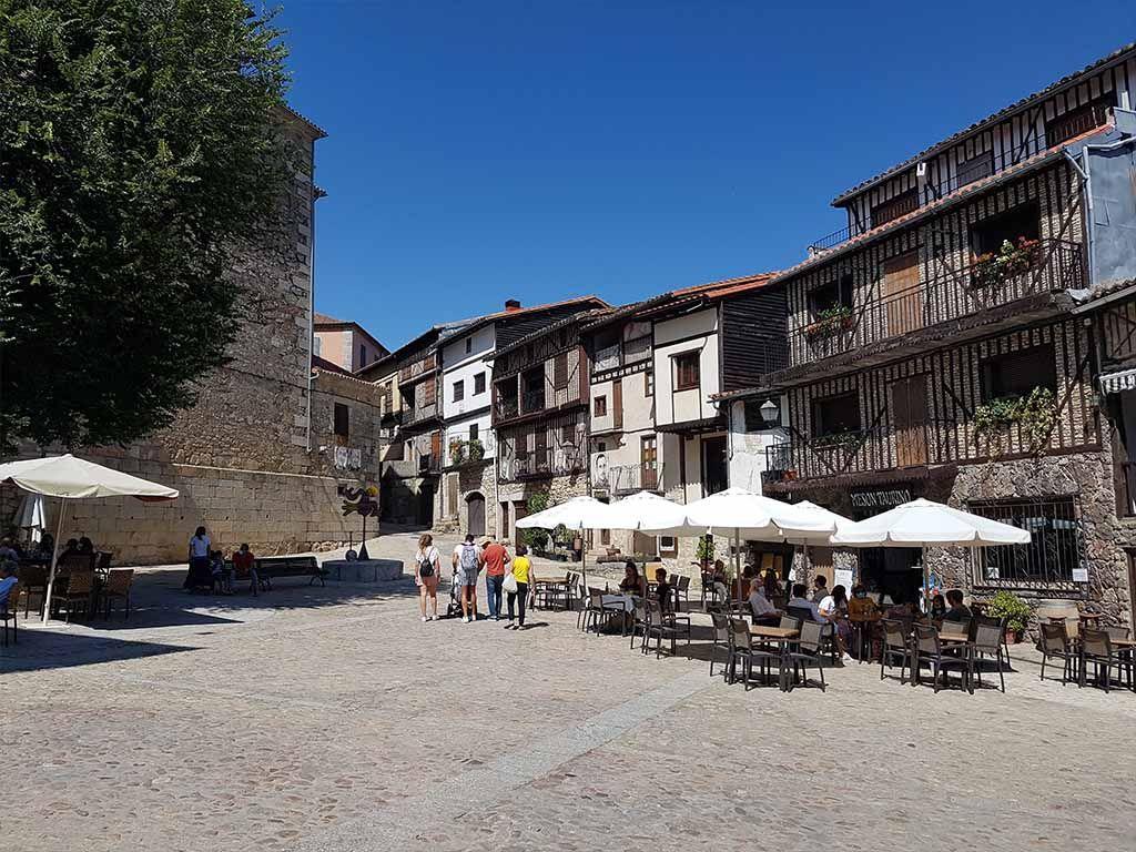 Plaza Mayor, uno de los lugares que ver en Mogarraz
